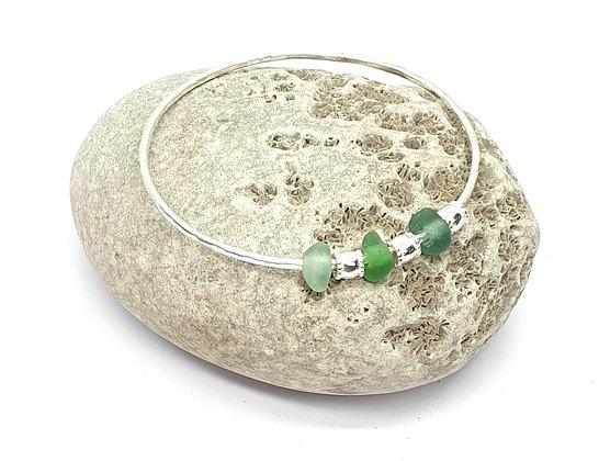 Bangle with 3 seaglass charms (M)