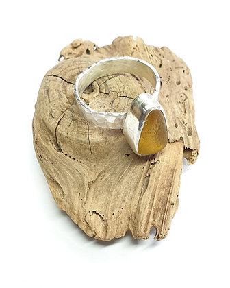 Yellow seaglass ring (Q/Q1/2/R)