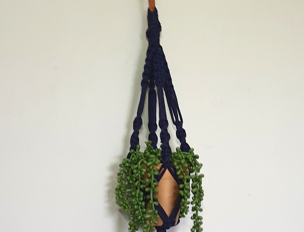 Recycled t-shirt yarn plant holder (S)