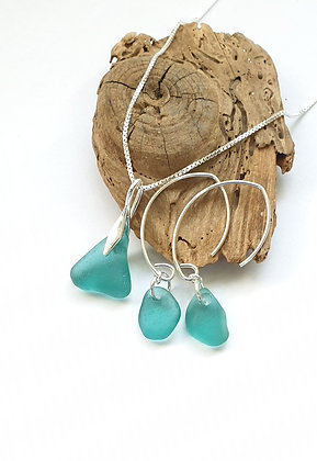 Turquoise pendant and earrings