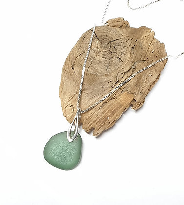 Deep moss green pendant and chain