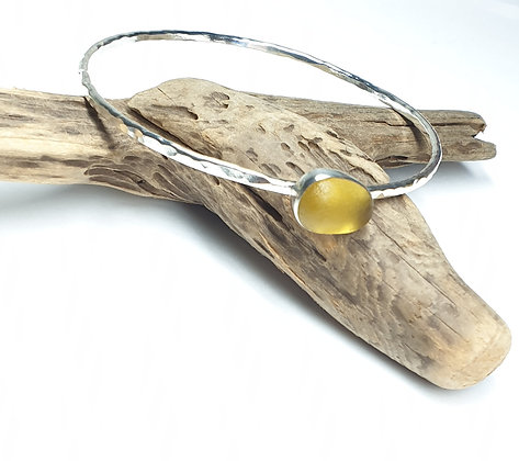 Handmade bangle with bezelled seaglass charm (L)
