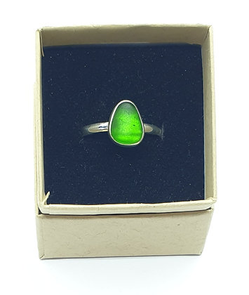 Bright green sea glass ring (S)