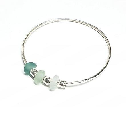 Bangle with 3 seaglass charms (S)