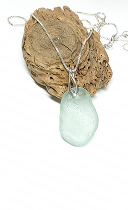 Mid blue/aqua pendant with chain