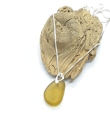 Rich honey yellow pendant and chain