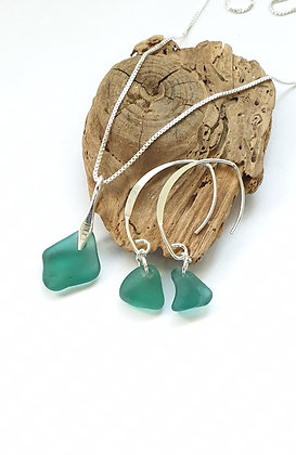 Dark turquoise/teal pendant and earrings