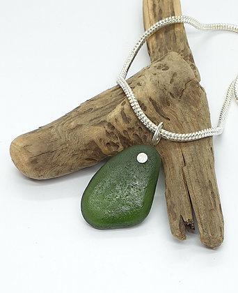 """Large forest green nugget and 18 """" chain"""