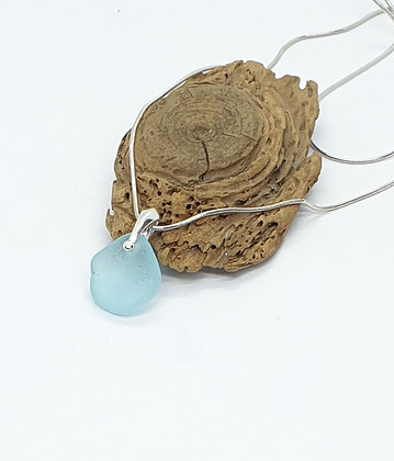 Light blue pendant and chain
