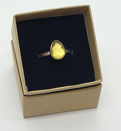 Yellow sea glass ring (N)