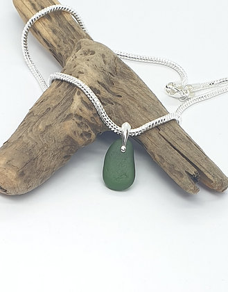 """Forest green nugget and 16"""" chain"""