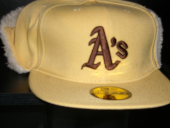 Sz 7 1/2 Oakland Athletics Winter hat