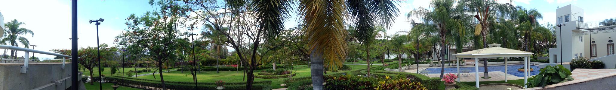 Jardines Villa toscana.jpg