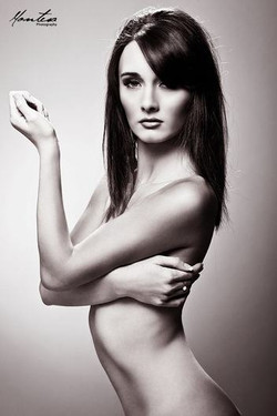 black and white photography makeup.jpg