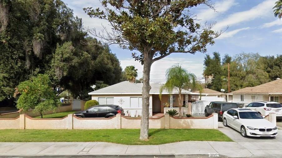 8251 Garfield St. Riverside - Front