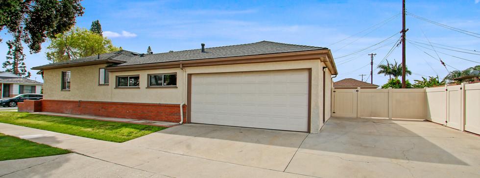 4563 Lomina Ave, Lakewood