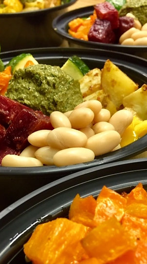 Pesto, Veggies & Quinoa Bowl
