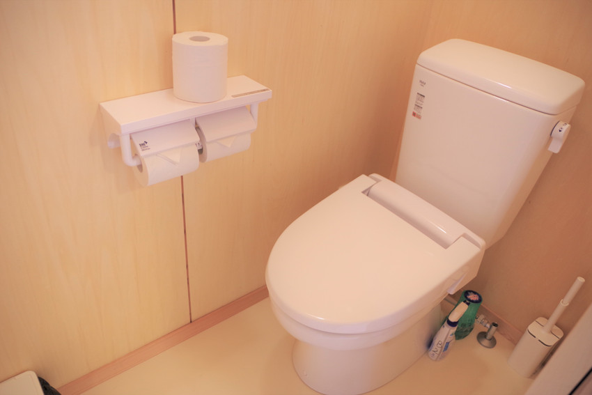 B棟トイレ