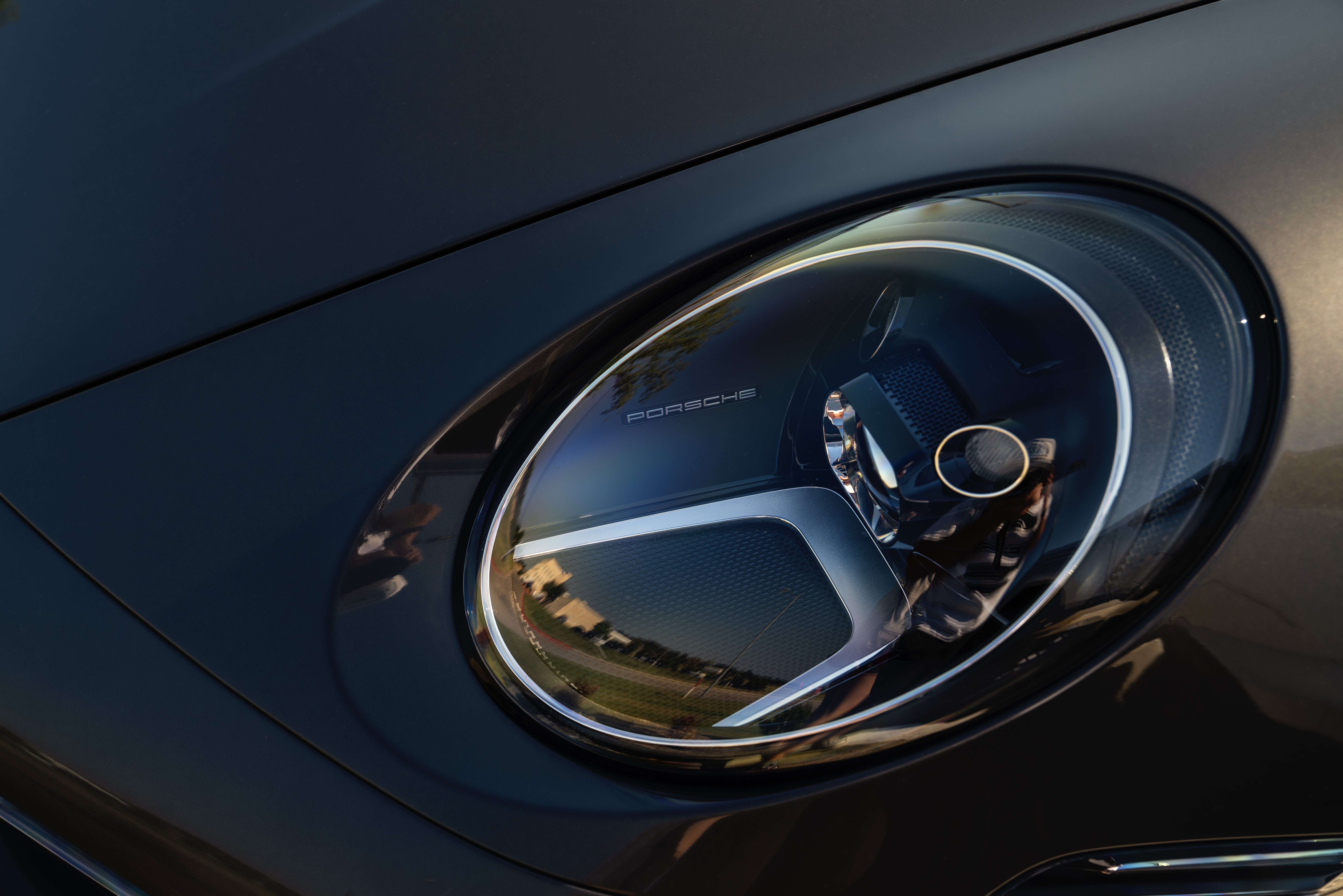 Porsche 911 headlight
