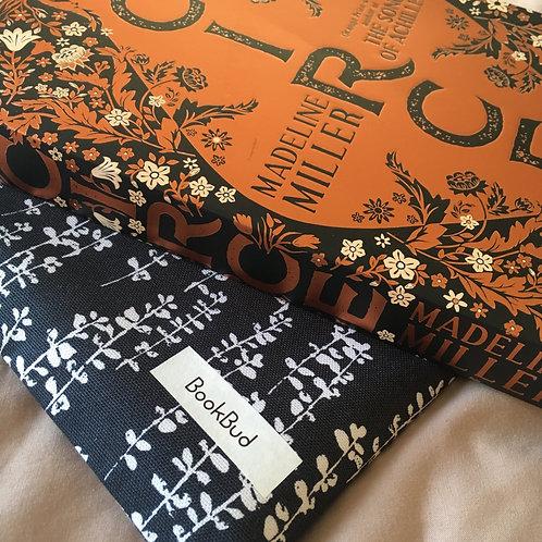 Circe BookBud book sleeve