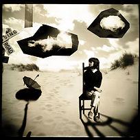 montage et découpage, jeune fille dans la dune
