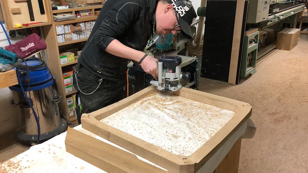 Anfertigen eines passenden Holzrahmens aus Eiche