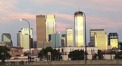 Minneapolis%20Skyline_edited.jpg