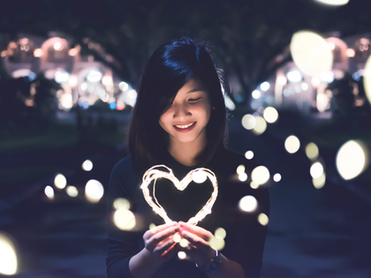 asian-girl-holdingheart.png