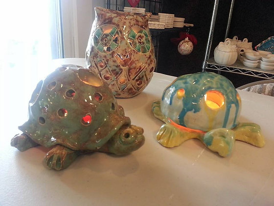 Kids Night Out: Clay Glo Critters (2/23)