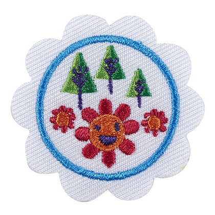 Daisy Outdoor Art Maker Badge (4/13)