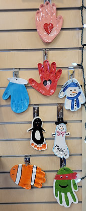 Kids' Night Out: Spring Handprint Hangers (3/5)