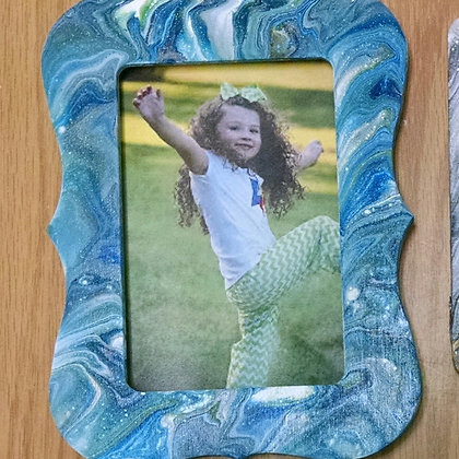 Fluid Art Picture Frame (12/19)