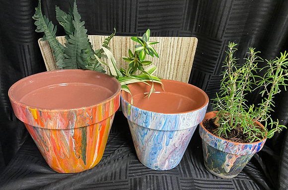 Fluid Art Vases and Flower Pots at Helderberg Meadworks (3/14)