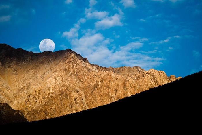 Mond über dem Elqui Valley