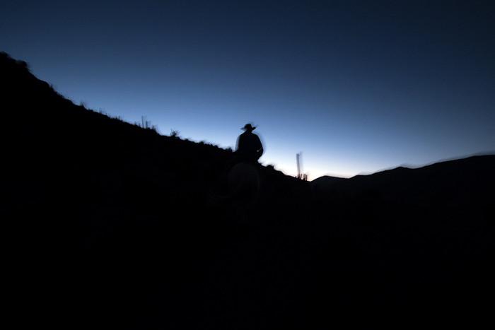Durch finstere Nacht