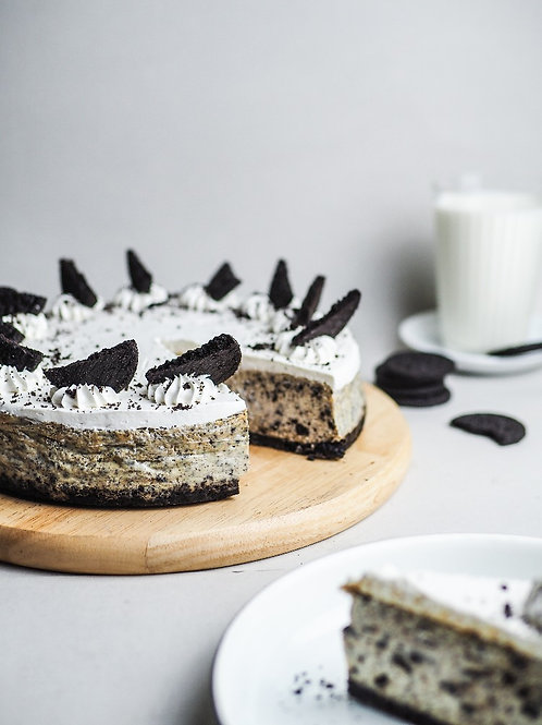 "8"" Cookies and Cream Cheesecake"