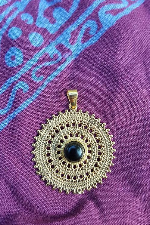 Black-eye mandala - Gold Indian pendant