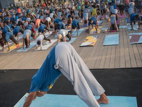 108 ברכות לשמש ביום היוגה הבינלאומי