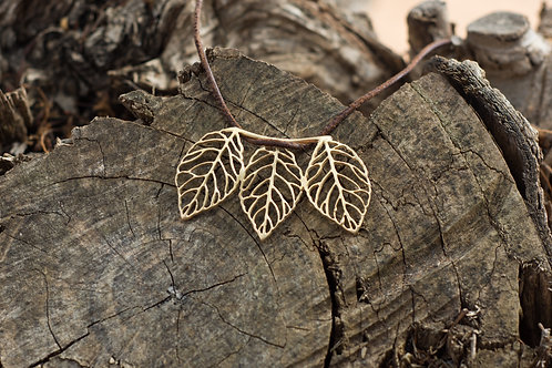 The 3 leaves - Gold Indian pendant