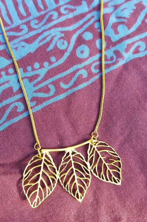 The 3 leaves - Gold Indian pendant with chain