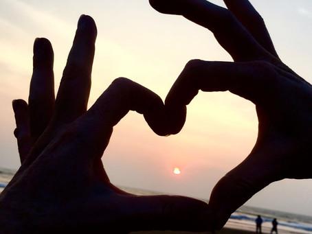 ואהבה לרעך כמוך - יוגה, אהבה ואגו