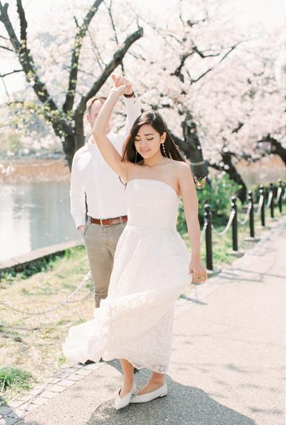 Sakura blossoms honeymoon session, Tokyo