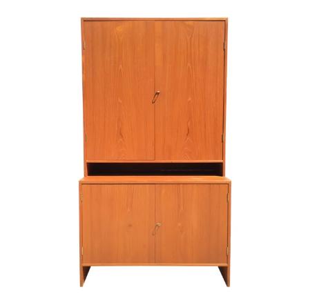 Cabinet by Hans Wegner for Ry Mobler