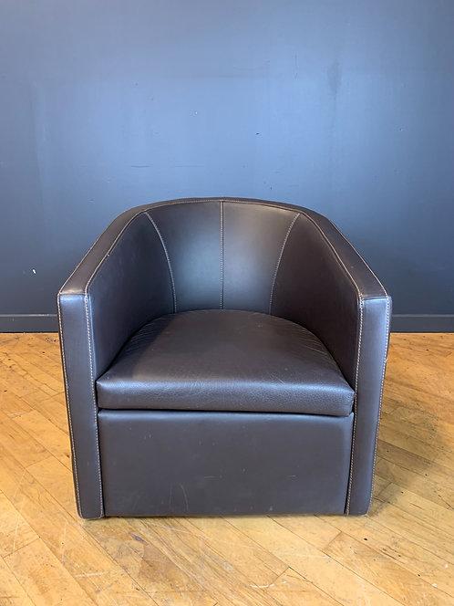 Gamma Leather Swivel Lounge Chair