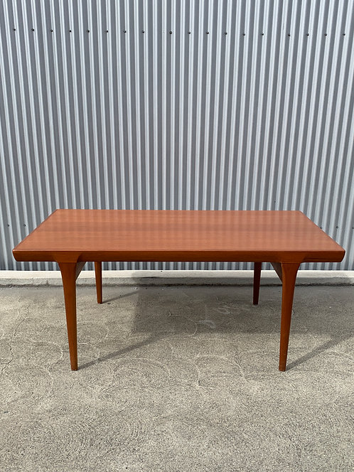 Beautiful Vintage Danish Niels Moller Dining Table by JL Moller