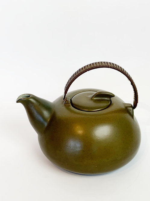 Iconic Heath Pottery Tea Pot ca 1960's