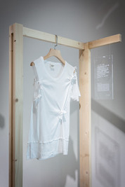 Midsummer 2008 As a junior hair stylist, I had to make ends meet with neither a client base nor minimum wage protection. Dressing up was still part of my everyday life, nonetheless. My elder sister gave me a white shirt—in vogue at the time—which eventually became my only go-to item for important occasions. No longer fashionable, the shirt with its material and warmth is not something I can bear to throw away. After it was upcycled, I donned the shirt; it was as comfortable as it once was.  Kodi Wan  Photo courtesy of Oi!
