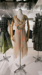 Trash Couture, D