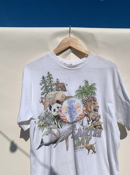 90s Earth Day Wildlife Classic Tee M