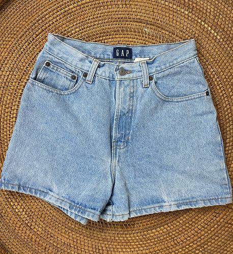 """25/26"""" 90s GAP Lightwash Classic Denim Shorts"""